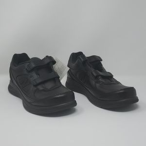 Men's Black New Balance Walking Shoes